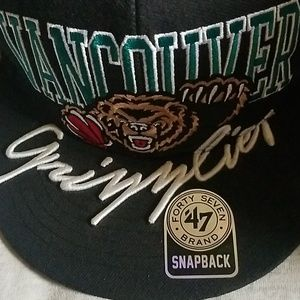 267185ea2b9 Other - Memphis Grizzlies Retro Snapback